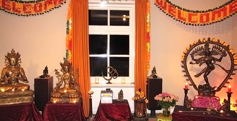 Altaar Buddha Tara Nataraj bij Tantra-Tempel