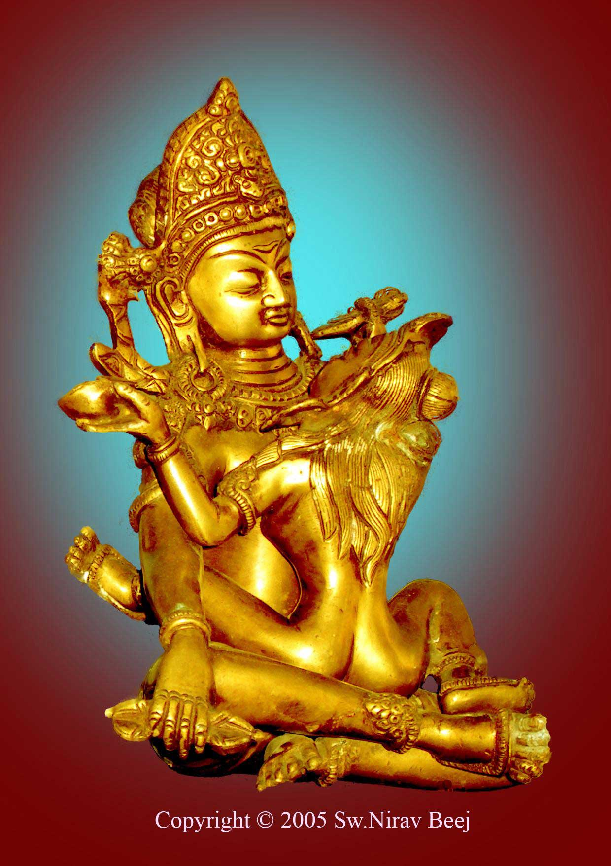 Shiva-Shakti beeld wat eigenlijk een Buddha is met zijn geliefde Godin in yab-yum houding