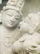 Khajuraho liefdevolle devote gezichten bij de TantraTempel