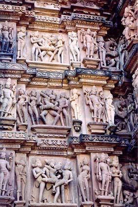 TantraTempel Adembenemende beelden op de tempels van Khajuraho
