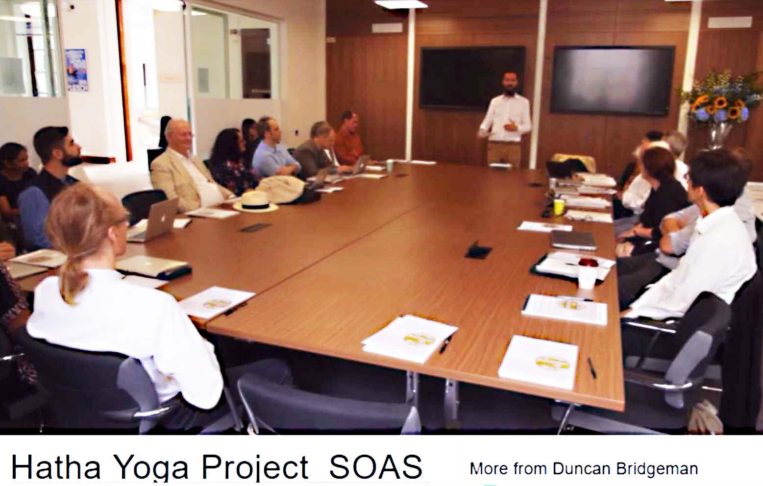 Wetenschapper vertalen gezamenlijk Sanskriet Teksten - Scholars translating by SOAS Hatha Yoga Project Students - James Mallinson - Alexis Sanderson.jpg